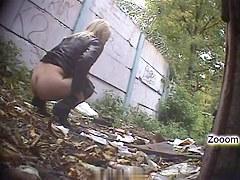 Girls Pissing voyeur video 185