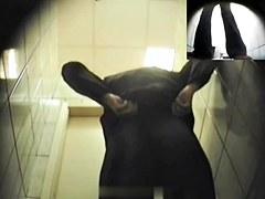 Girls Pissing voyeur video 186