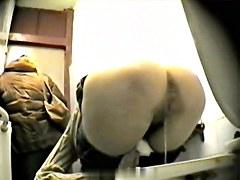 Girls Pissing voyeur video 192