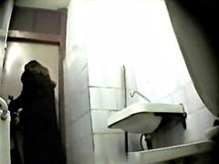 Girls Pissing voyeur video 220