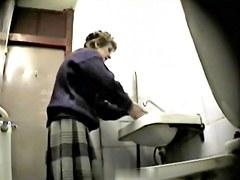 Girls Pissing voyeur video 226