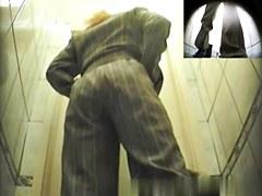 Girls Pissing voyeur video 263