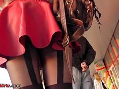 Upskirt tube presents hot scene with pretty babe