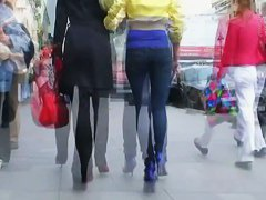 Street candid videos of round ass women in public