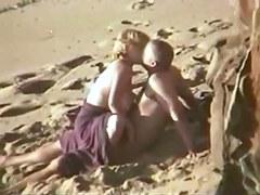 Candid beach camera filmed a horny vixen