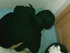 Pontytail Asian in public WC dirty dark pussy swabin' papertowel
