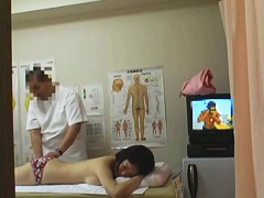 Pretty girl moaning while visiting japanese massage voyeur