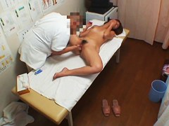 Hidden cam fuck sex for Asian girl in the massage parlor