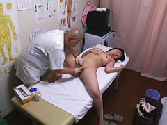Massage voyeur cam records male fingers in the hot nub