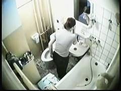 Hidden bath cam shoots nude girl taking the shower