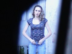 Girl in jeans pissing outdoor caught by toilet voyeur hunter