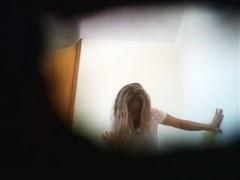 Hidden cam hunter shot amateur in the female wc room