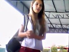 Novinha estudante bucetudinha