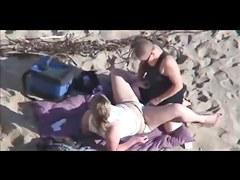 2 azgin lezbiyen plajda ''public lesbian''