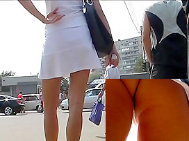 Short but sexy upskirt clip