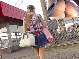 Upskirt movie with a college beauty