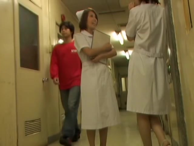 Slender nurse got panty and belly seen on sharking video