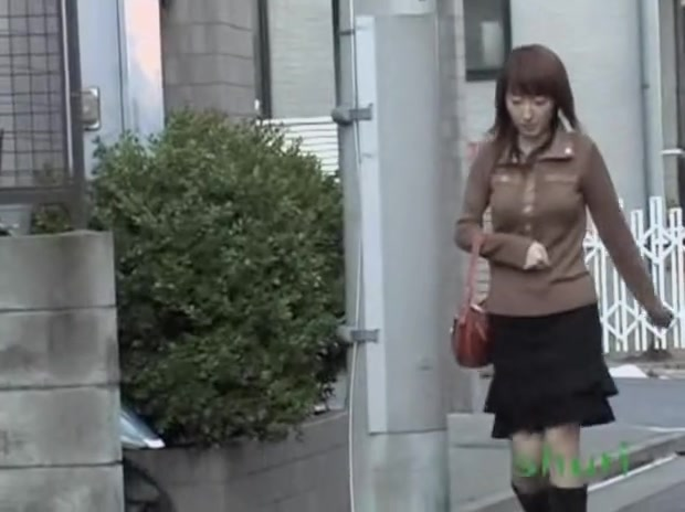 Dreamy young Asian bitch having quick sharking meeting on the street