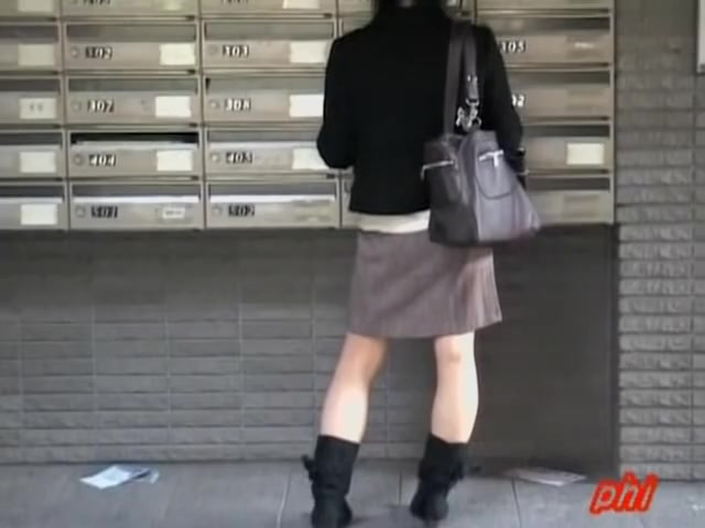 Postal sharking encounter with lovely sweet babe being caught of her guard