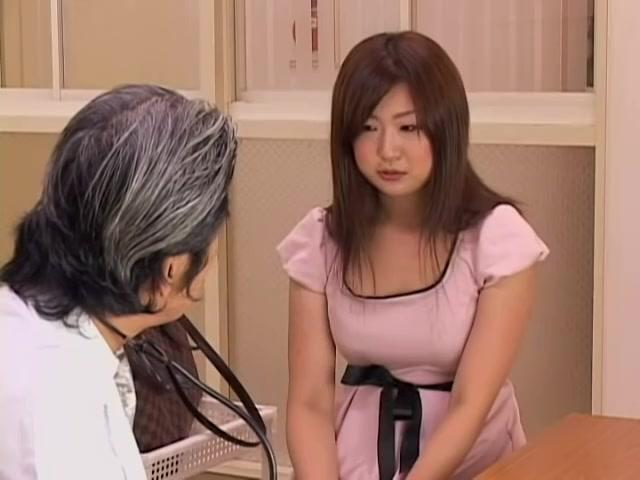 Big booty Japanese whore fingered during medical exam