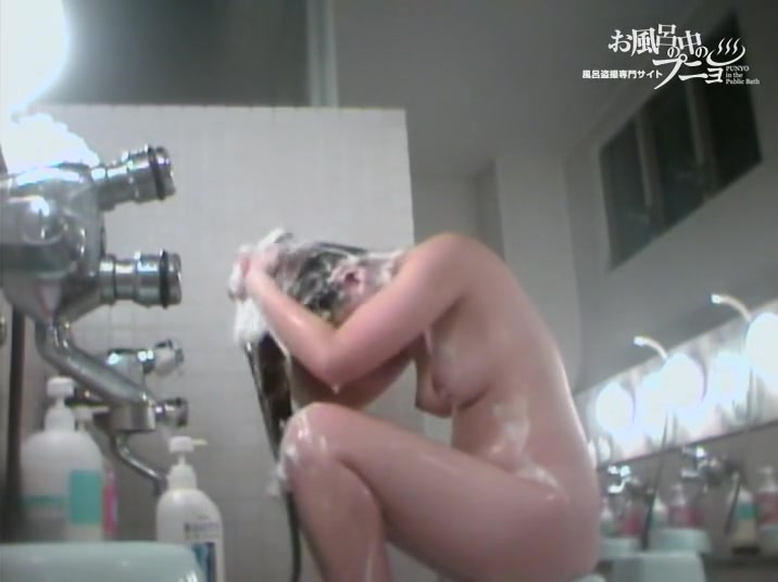 Cam voyeuring Asian pussy between girls stretched legs dvd 03150