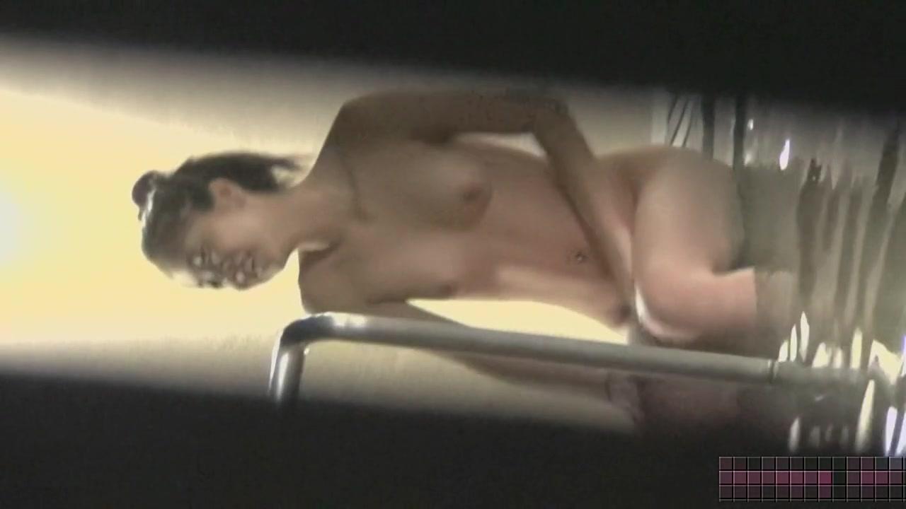 Pretty Asian with cute smile on shower voyeur cam su2652