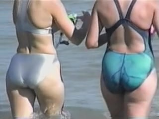Two mature women are with candid butts in bikinis on cam 04p