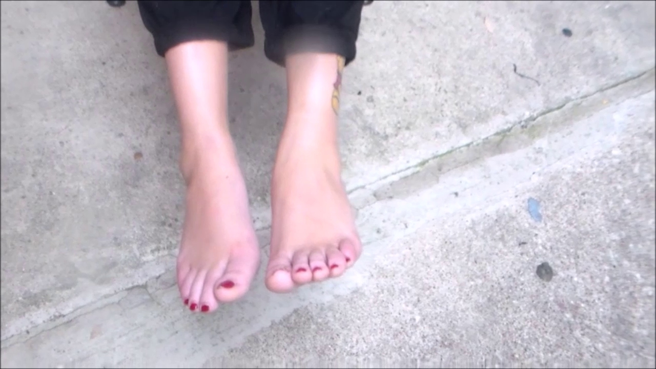 New faces foot fetish