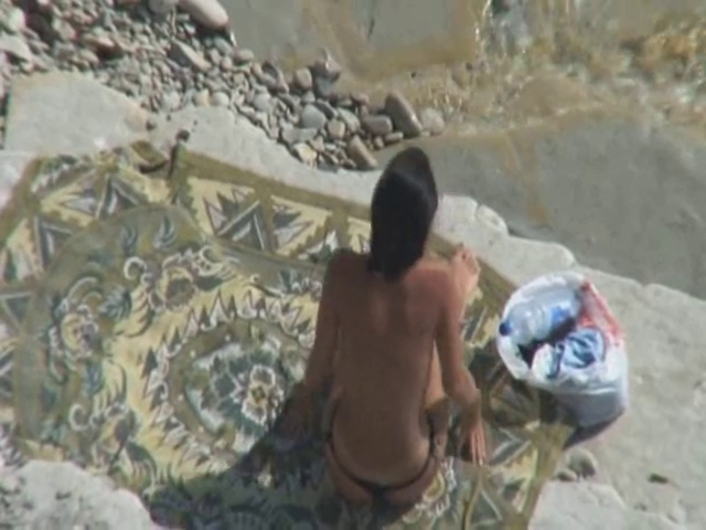 Voyeur Tapes Pair Fucking On Beach